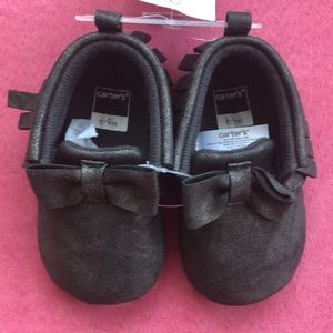 NWT Carter's metallic black bow moccasins, 6-9m